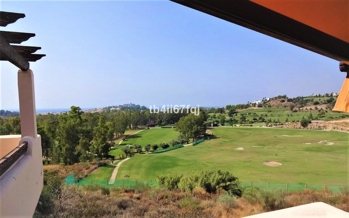 Penthouse in Lomas del Conde Luque, Benahavis. With 2 bedrooms and 2 bathrooms, very bright. 117 m2 ,Spain