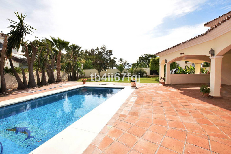 Property for sale in Guadalmina 9