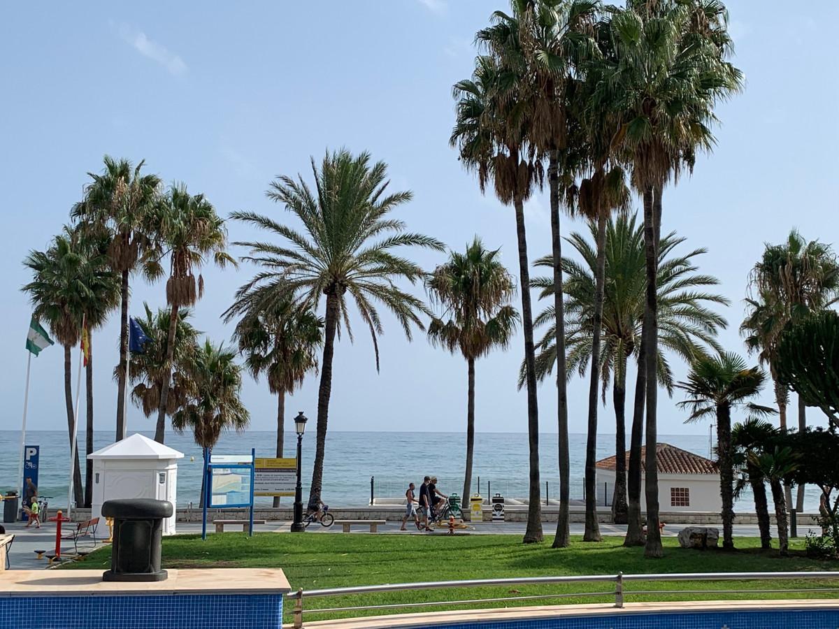 Apartamento Planta Baja en Venta en San Pedro de Alcántara – R3606353