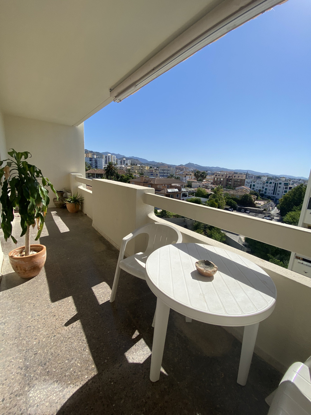 Marbella Banus Apartamento en Venta en Marbella – R3867856