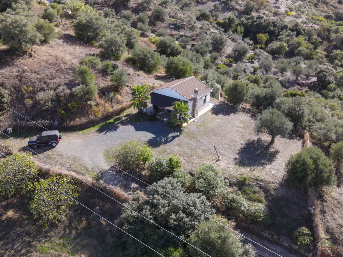 Finca with AMAZING VIEWS  .   Private spot .   Relax and unwind .   Room for temporary pool .   Inbe,Spain