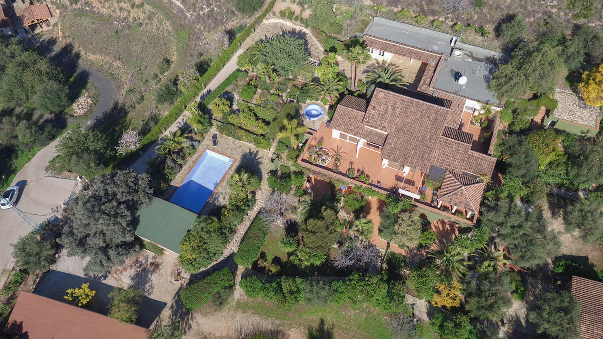 Country Estate - HIDEAWAY  .   4 separate accommodations for guests   .   GERMAN built, floor heatin, Spain
