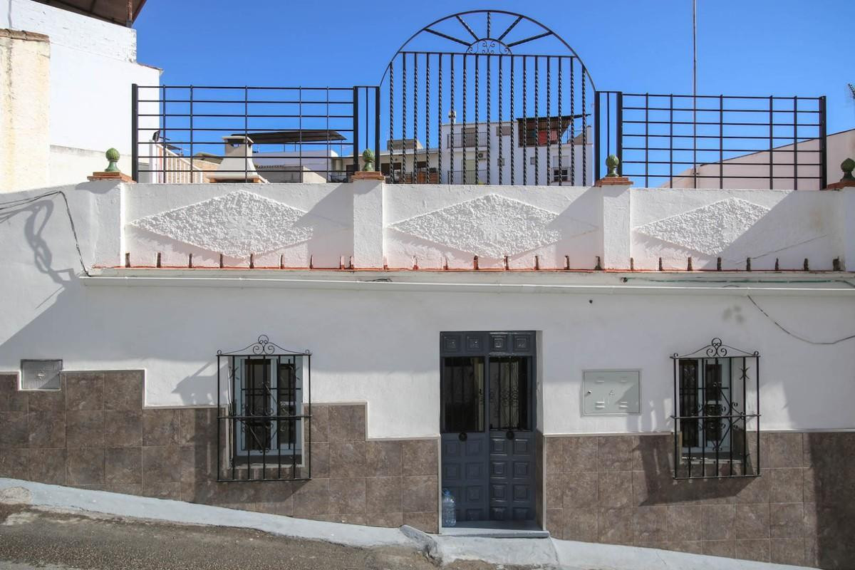 RECENTLY Reformed Town House  .  Lock and leave .  Close to lots of bars and restaurants .  Rural To,Spain