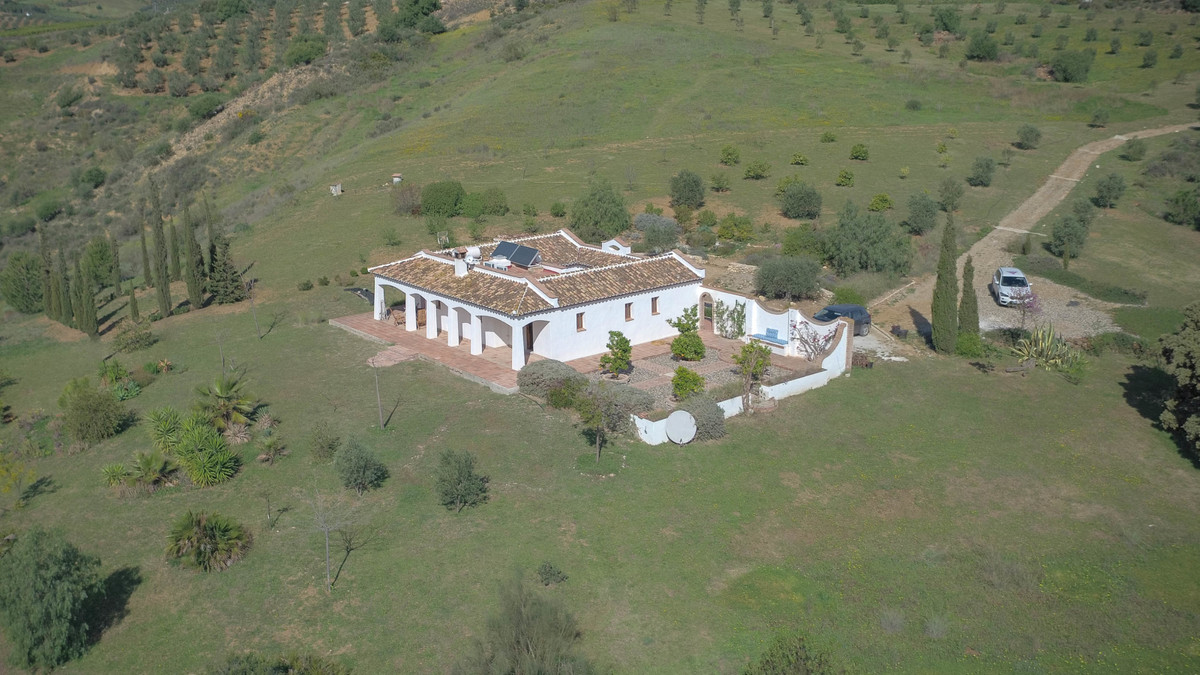 INCREDIBLE LOCATION  .   Fantastic views .   Traditional CORTIJO styled property .   Excellent Build, Spain