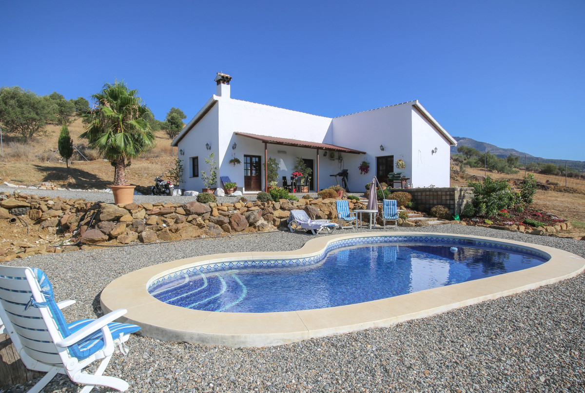 Open VIEWS  .   Close to two popular villages .   Private and secluded .   STABLES .   EXPERIENCE TH, Spain