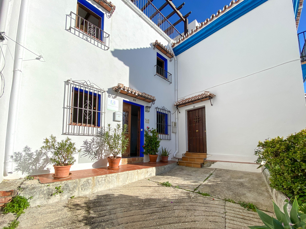 Townhouse  Terraced 													for sale  																			 in Ojén