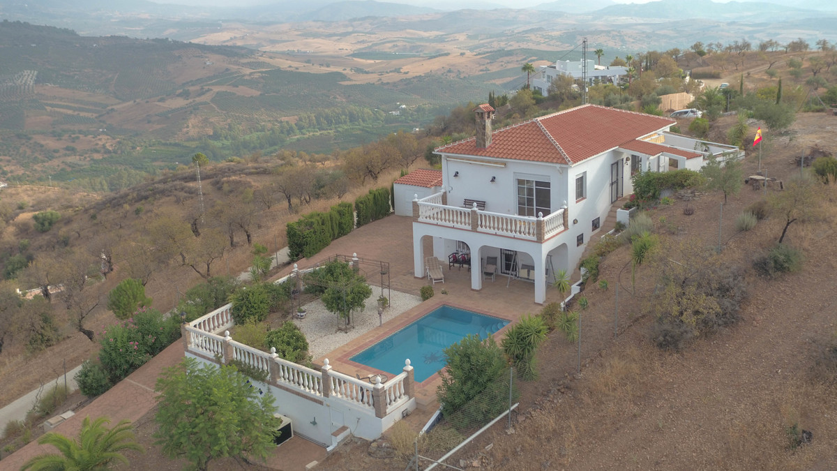 AMAZING  Panoramic views  .   Close to the charming village of Guaro .   IMMERSE yourself .   Centra, Spain