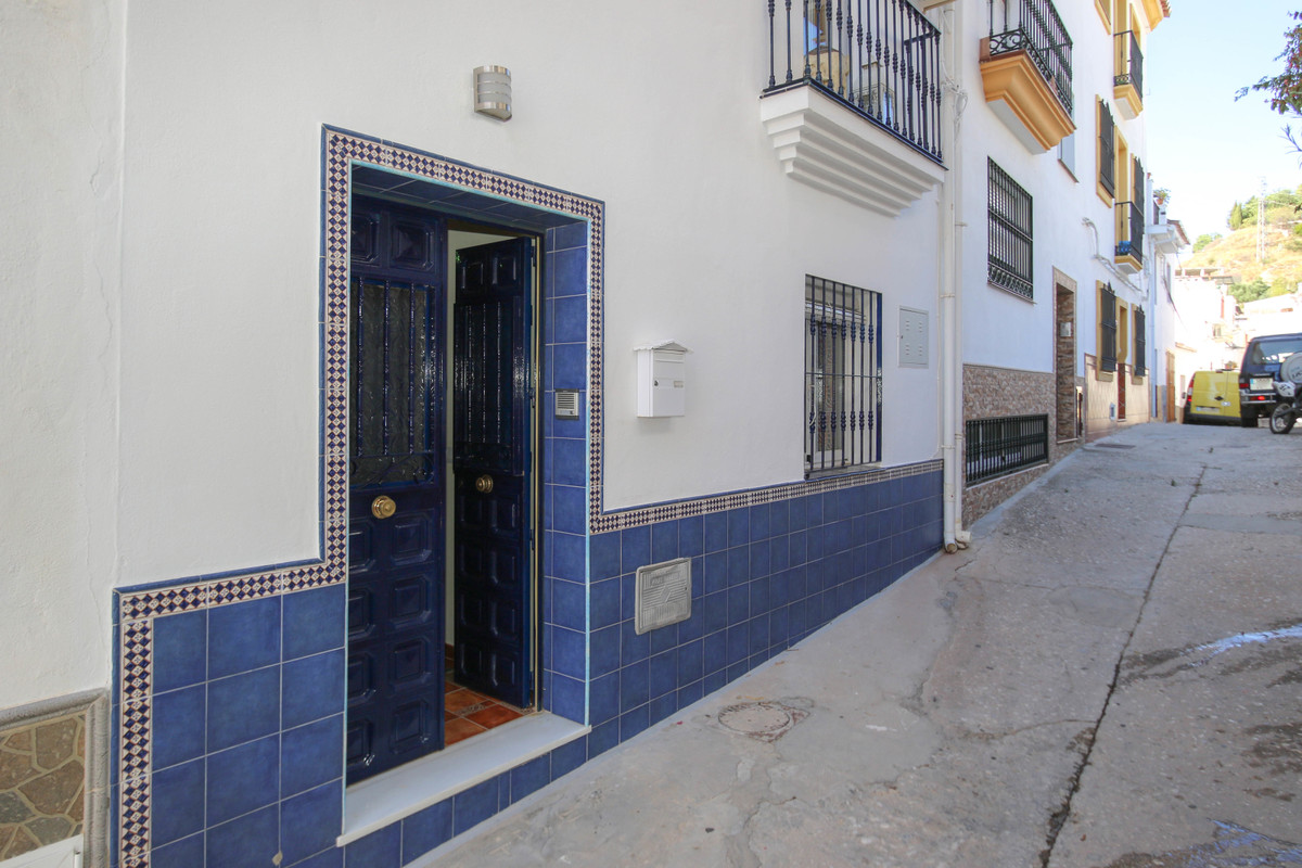 Townhouse for sale in Monda R3682199