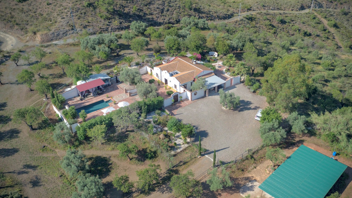 Character CORTIJO with  **  Stables  **  .   Enjoy the peace and TRANQUILITY of this beautiful prope, Spain