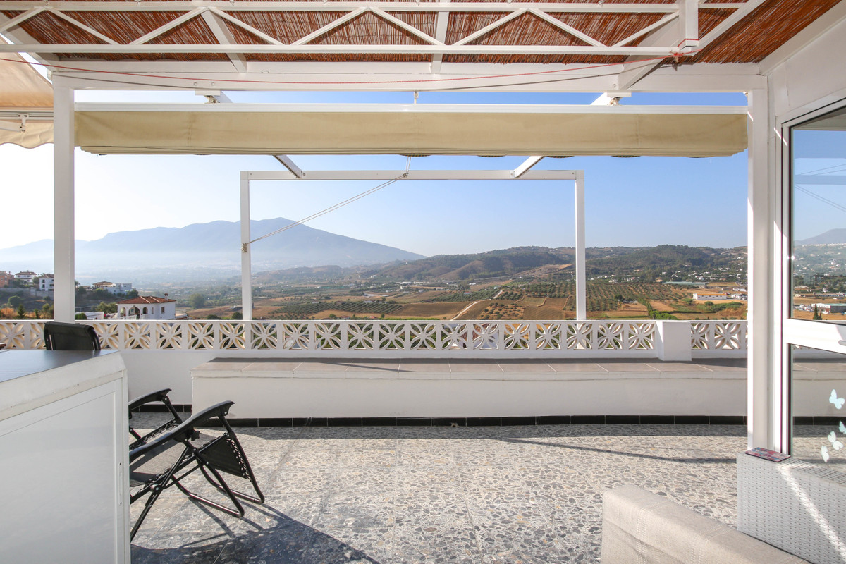 PANORAMIC VIEWS  .   Walking distance to shops, restaurants and amenities! .   Close to many Tapas B, Spain