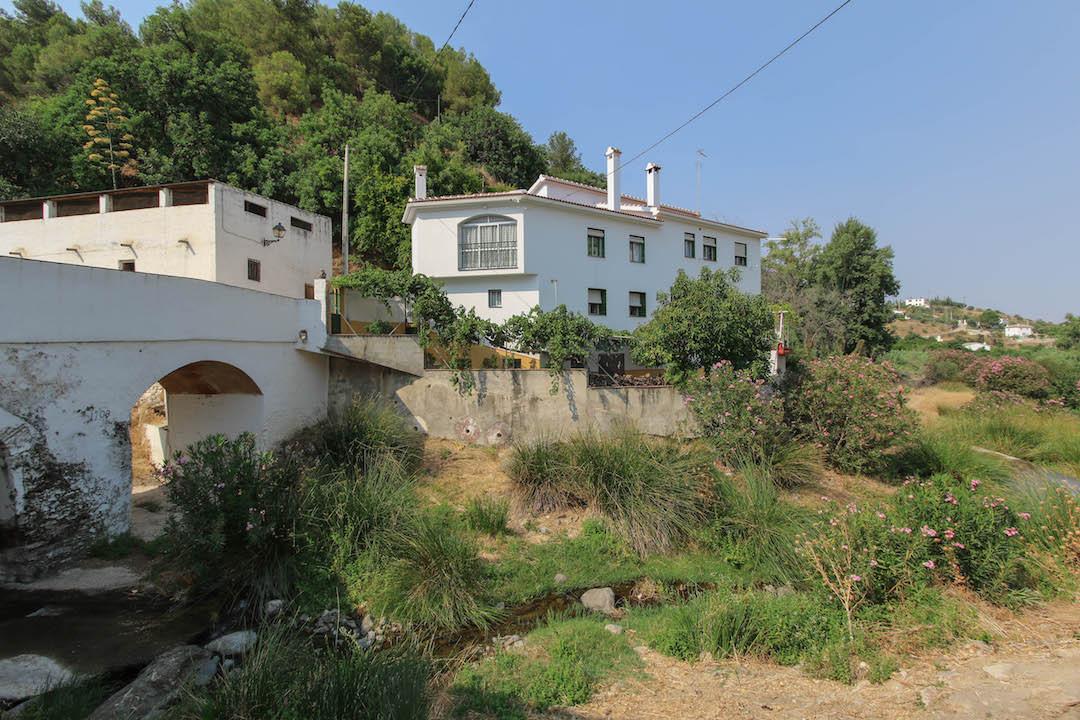 8 dormitorio villa en venta tolox