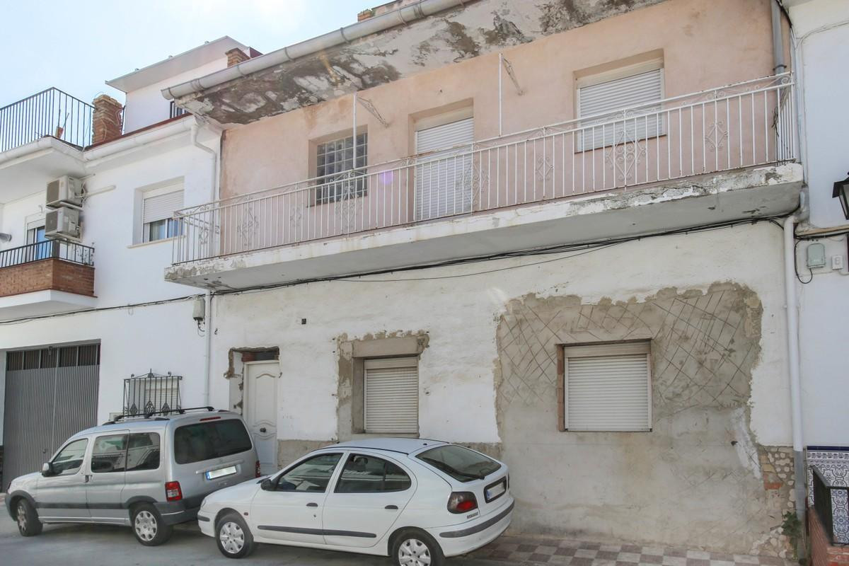 Apartment project   .   3 Apartments one building .   Centre of Alora .   Possible rental income .  ,Spain