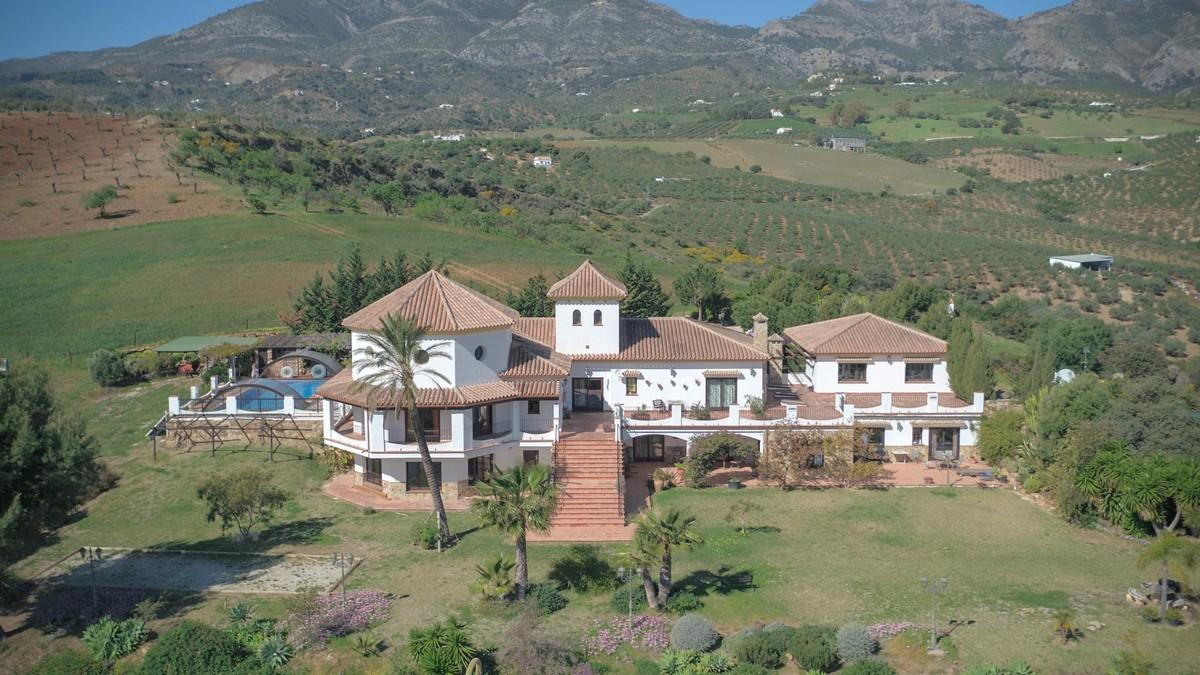 Large COUNTRY ESTATE  .   2 Separate Apartments .   Space for another apartment or games room .   Ho, Spain