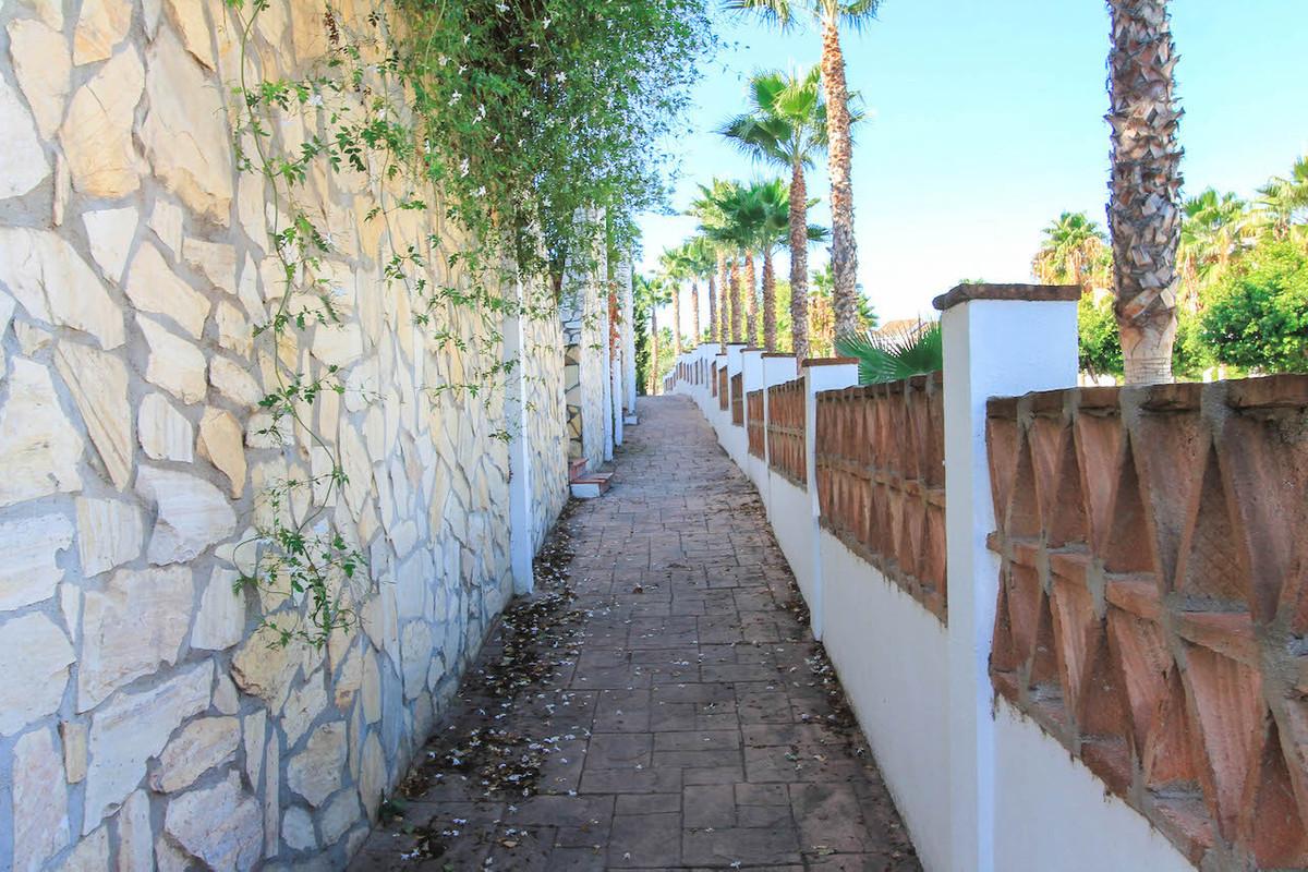 House in Alhaurín de la Torre R2533163 40