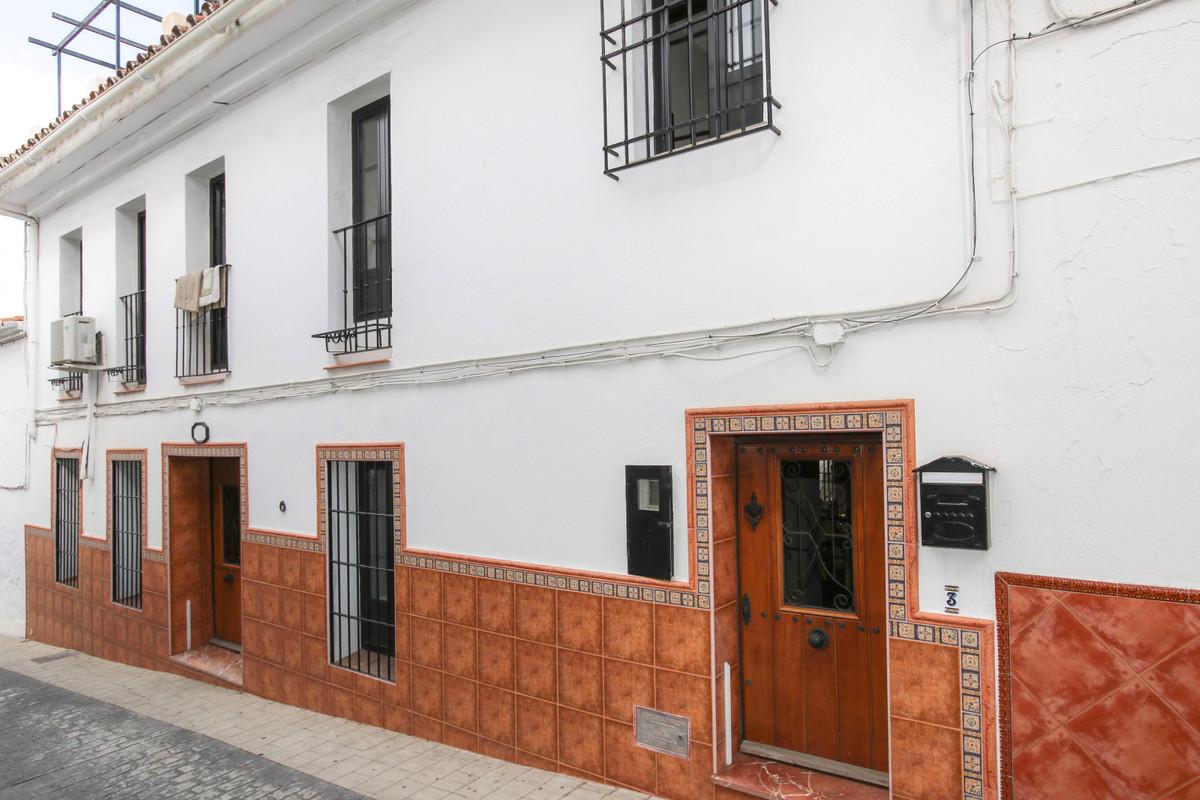 4 bedrooms Townhouse in Monda