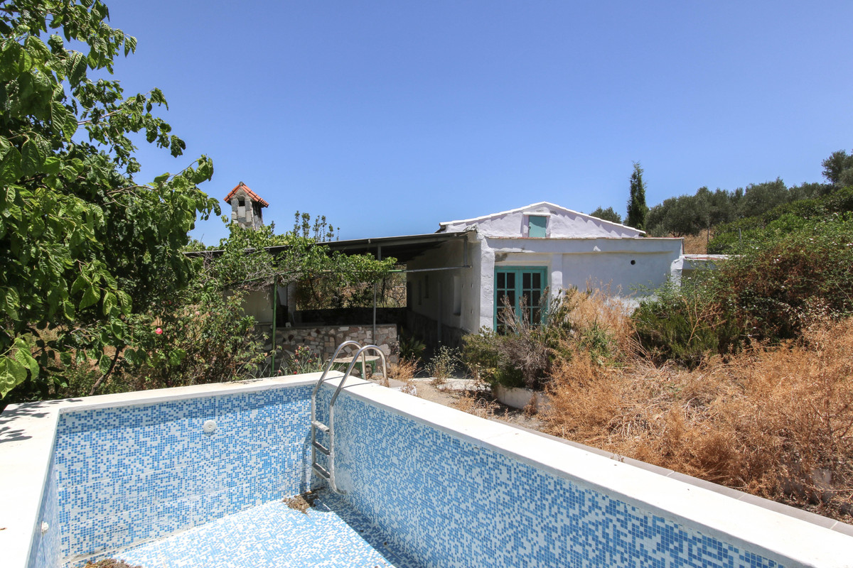 Two Properties.  Two Pools, Separate Casita  - One plot.   Restoration Work needed  . Potential RENT,Spain