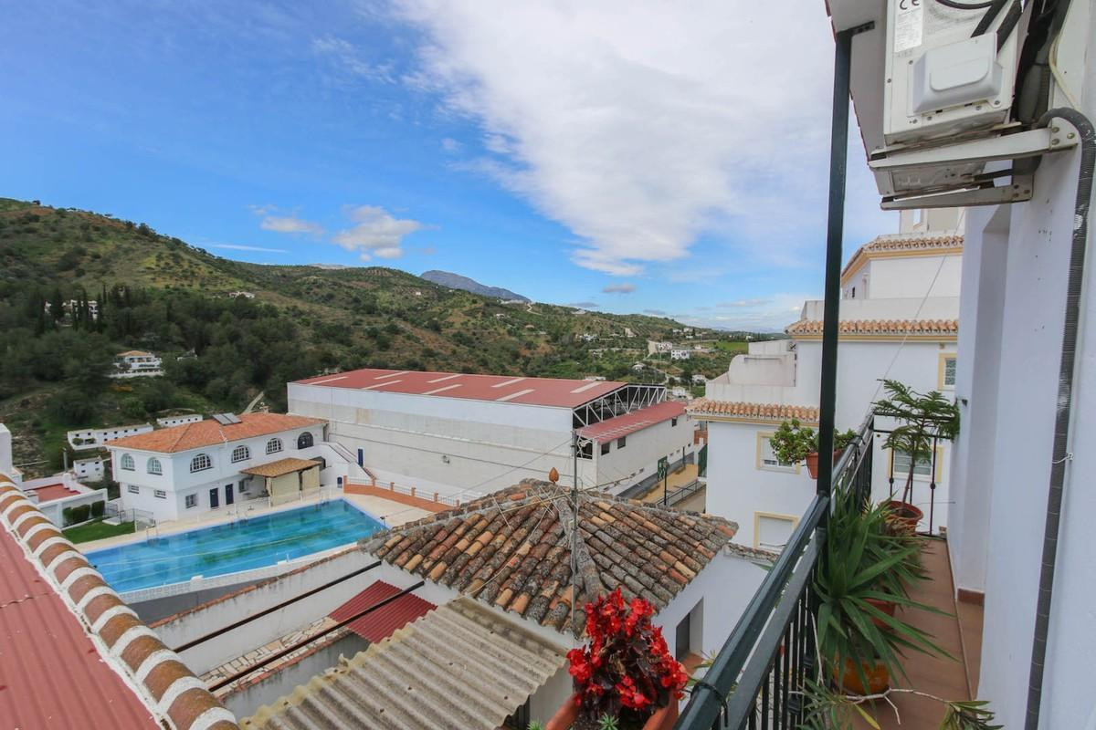 3 Bedroom Apartment For Sale, Tolox