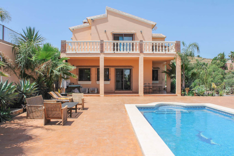 Detached Villa with STABLES  . STABLES for 10 horse . Groom accommodation . Feed room and Equipment ,Spain