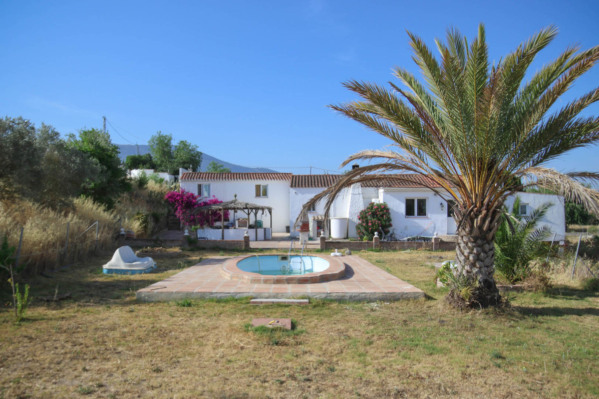 A Country Lovers DREAM     .   Main House with 2 SEPARATE CASITAS casitas to generate a rental Incom,Spain