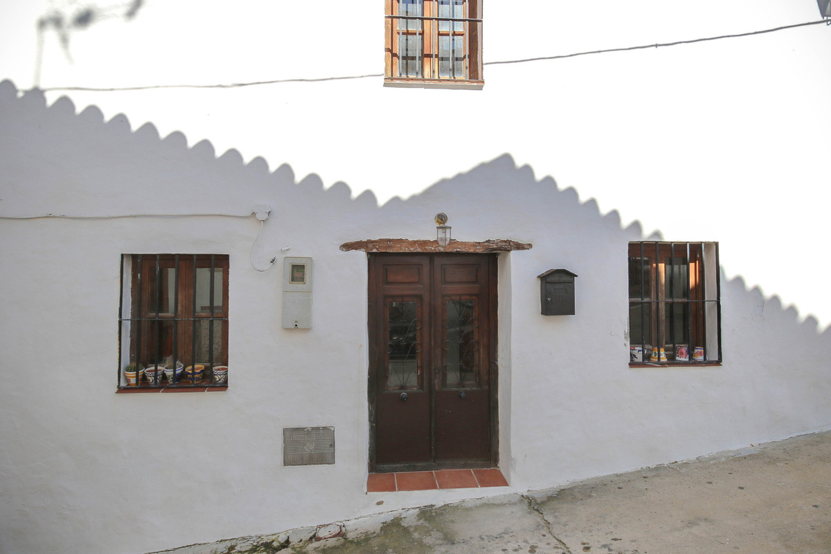 This is an older cottage style house close to the center of the village and all the amenities. The h, Spain