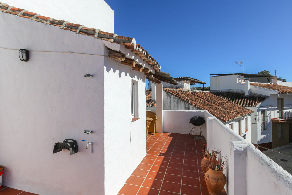 2 Bedroom Semi Detached Villa For Sale Guaro