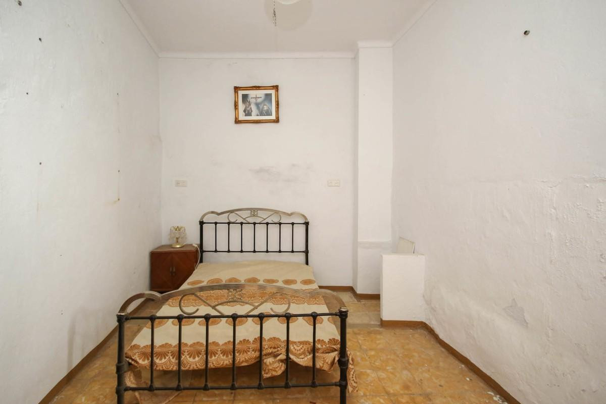 3 Bedroom Terraced Townhouse For Sale Guaro