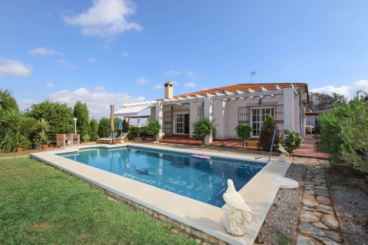 Great Access, Lovely Views, Fantastic Pool Area, Separate Accommodation  - What more could you want?,Spain