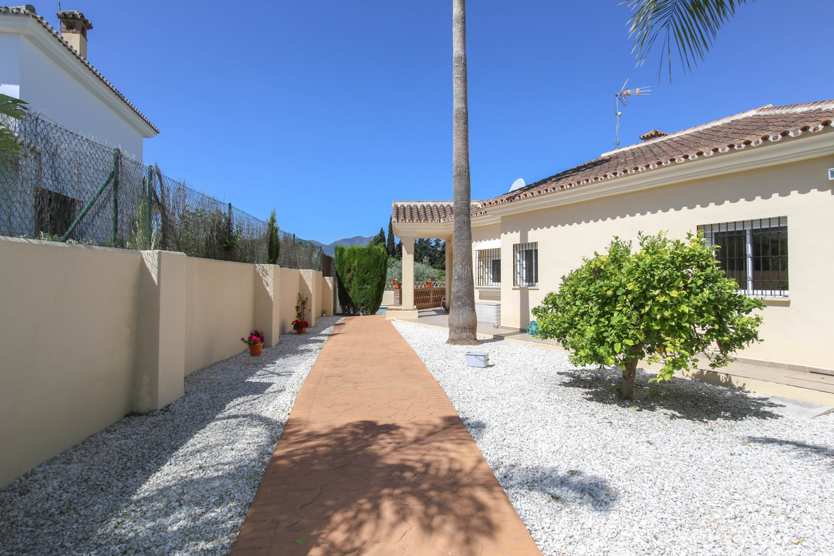House in Alhaurín el Grande R2328035 2