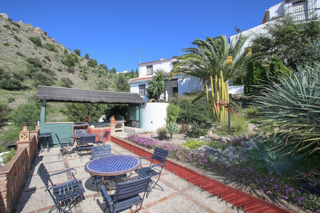 Bed & Breakfast - OLD BODEGA (Wine Cellar)  .   Character Property .   Great owner Accommodation, Spain