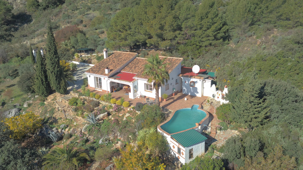 This is a charming 3 bed, 3 bath country home in a peaceful location with one of the most impressive, Spain