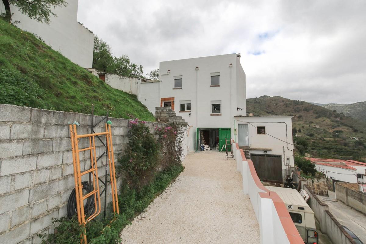 Semi-Detached House for sale in Tolox