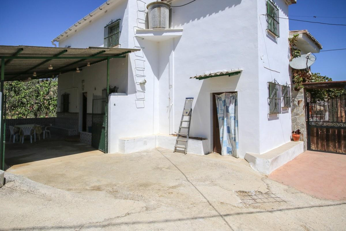 Bags of CHARACTER with a lovely setting  .   Close to a popular village .   Charming .   EXPERIENCE ,Spain