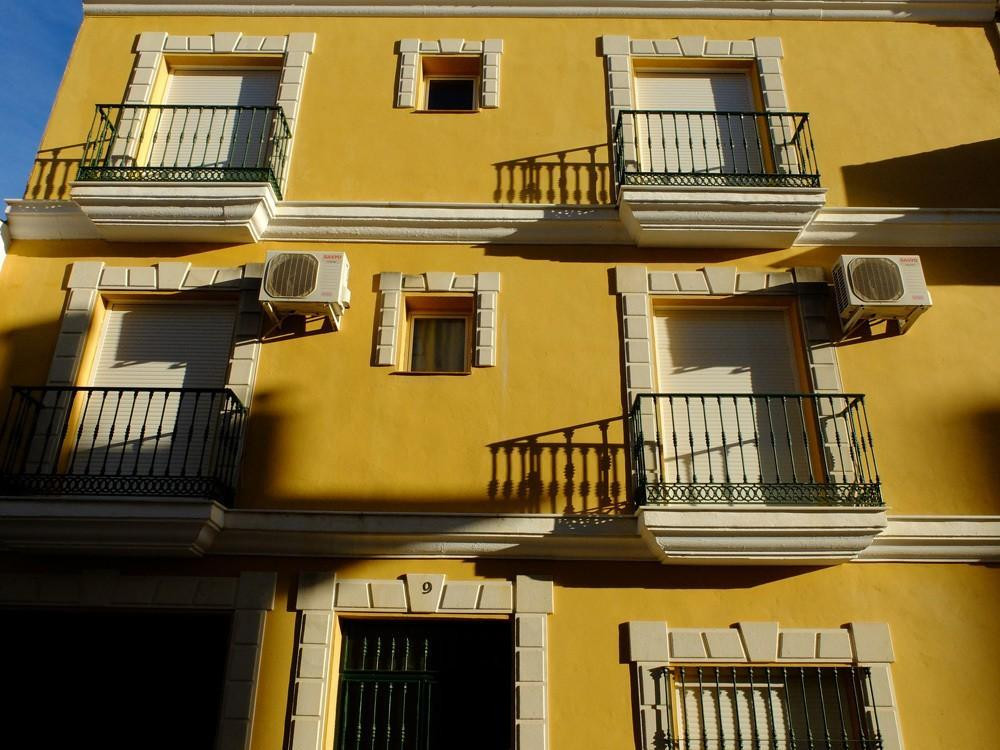 UNIQUE property   .  3 apartments in one building .  Close to many TAPAS Bars .  Possible RENTAL Inc,Spain