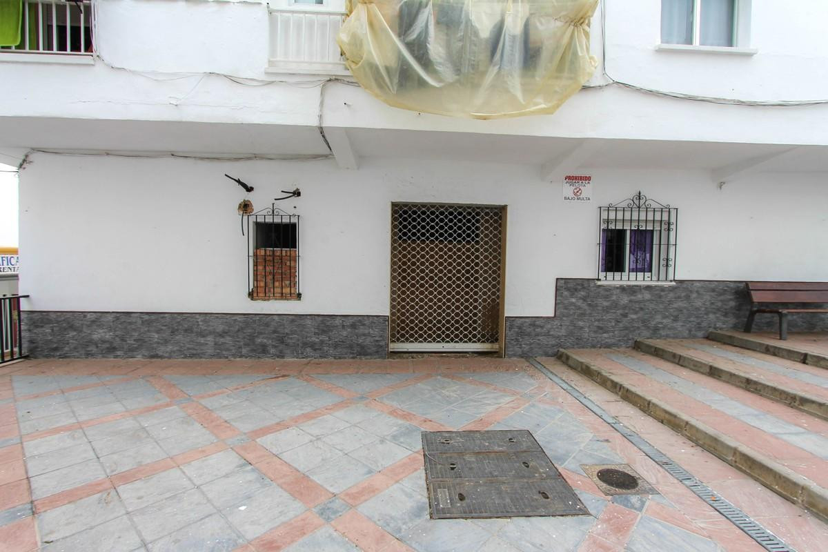 Apartment in the centre of Alaurin el Grande to be