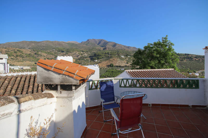 Adorable Town House in the beautiful town of Aloza