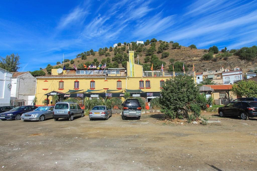 .   Adjacent to the RAILWAY station .   Excellent passing trade .   Restaurant .   Letting Rooms .  Spain