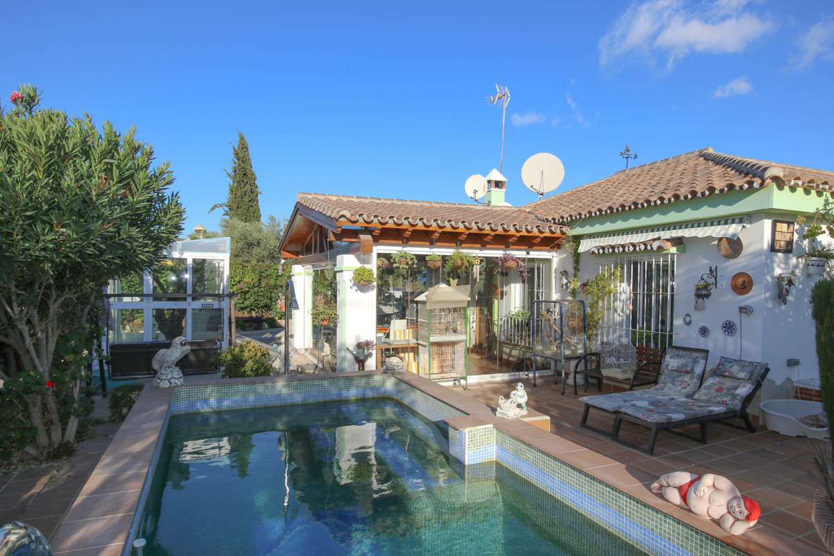 Detached Villa for sale in Monda