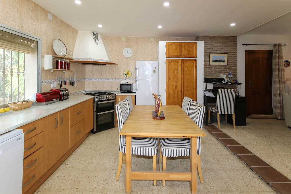 House in Alora R3101047 16
