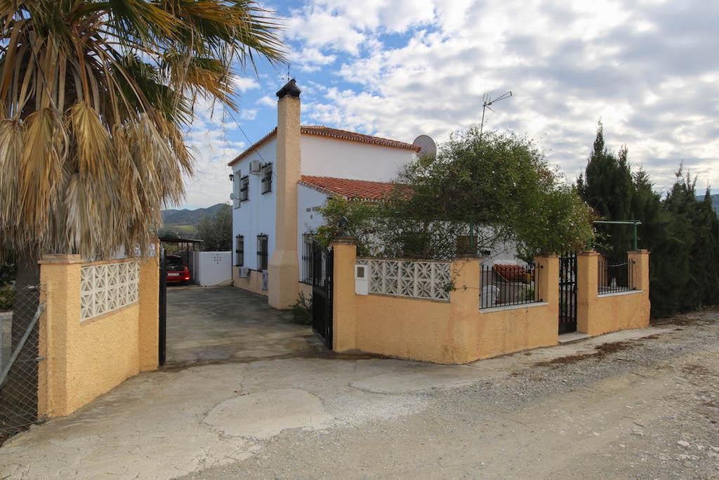 House in Alora R3101047 32