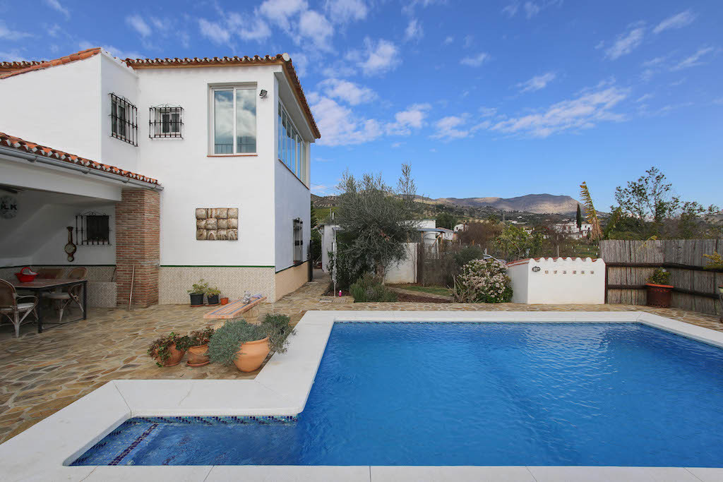 House in Alora R3101047 36