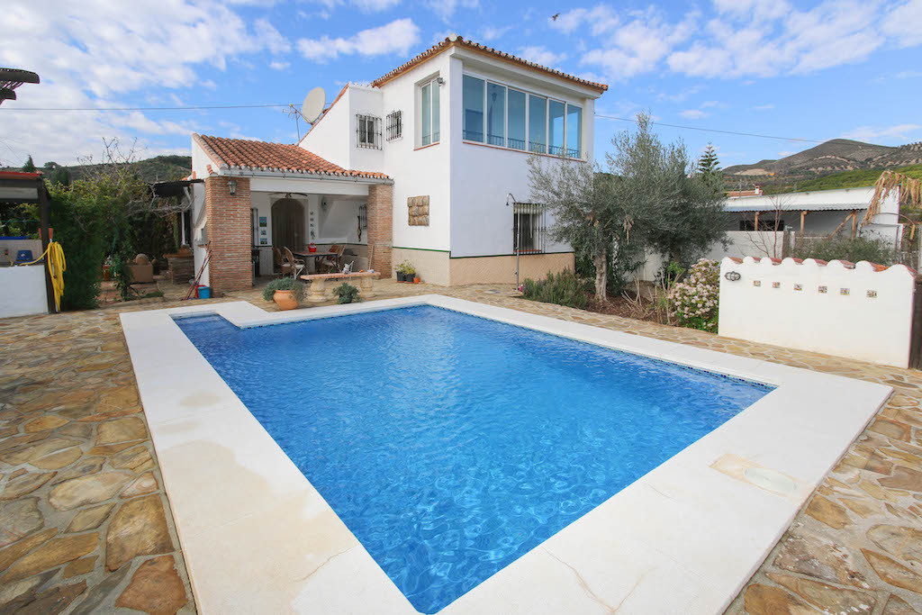 House in Alora R3101047 6