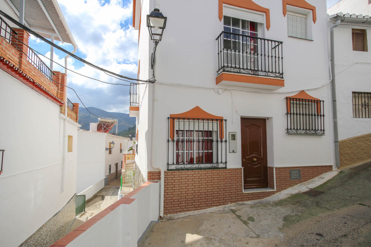 This cute town house is very close to the center of the village only a couple of minutes to the main, Spain