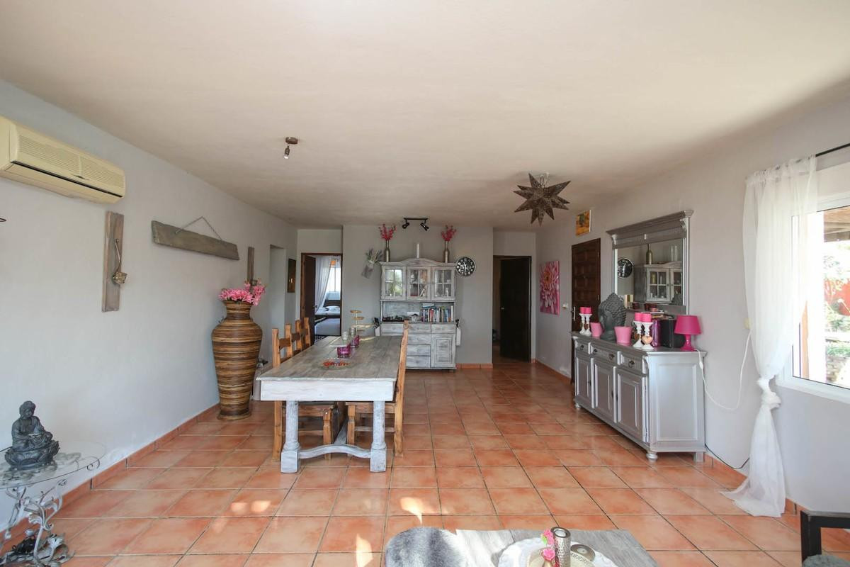 Commercial in Alora