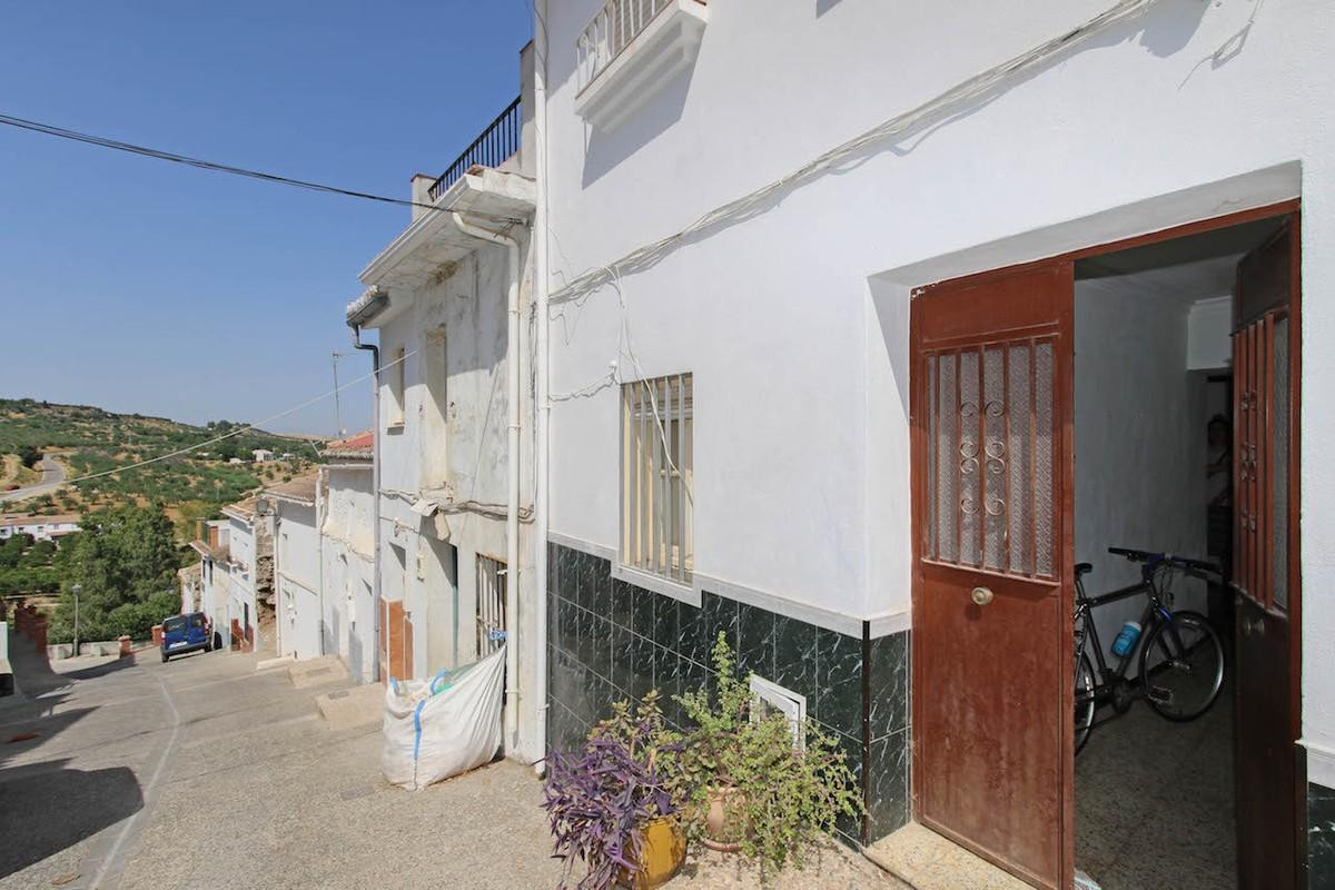 Townhouse, Terraced  for sale    en Alozaina
