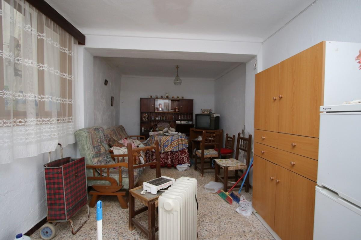2 Bedroom Terraced Townhouse For Sale Guaro