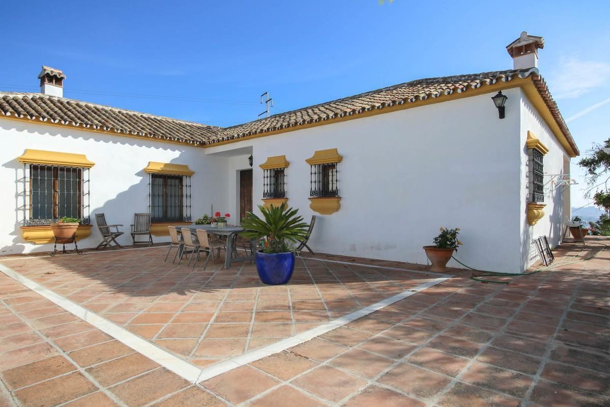 Villa 11 Dormitorios en Venta Mijas Costa