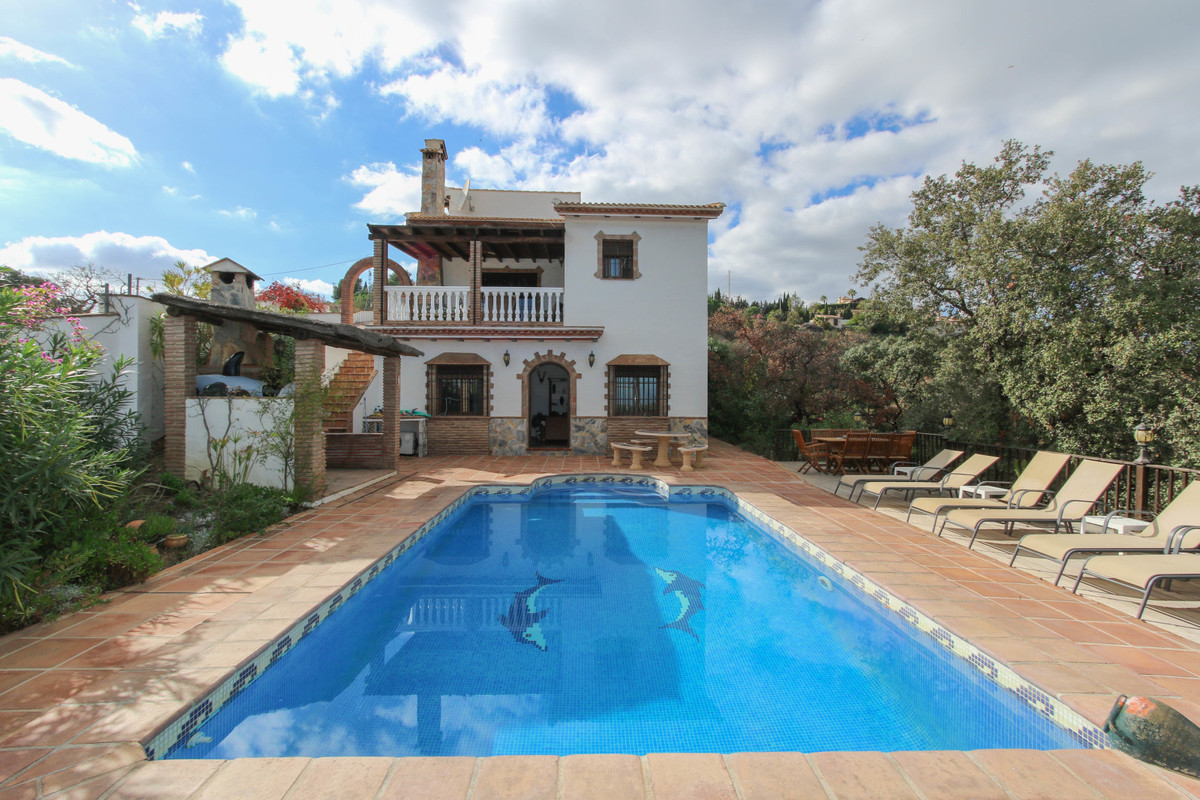 Country villa with amazing open views.  .   Spacious Property .   Separate lounge .   Panoramic View, Spain