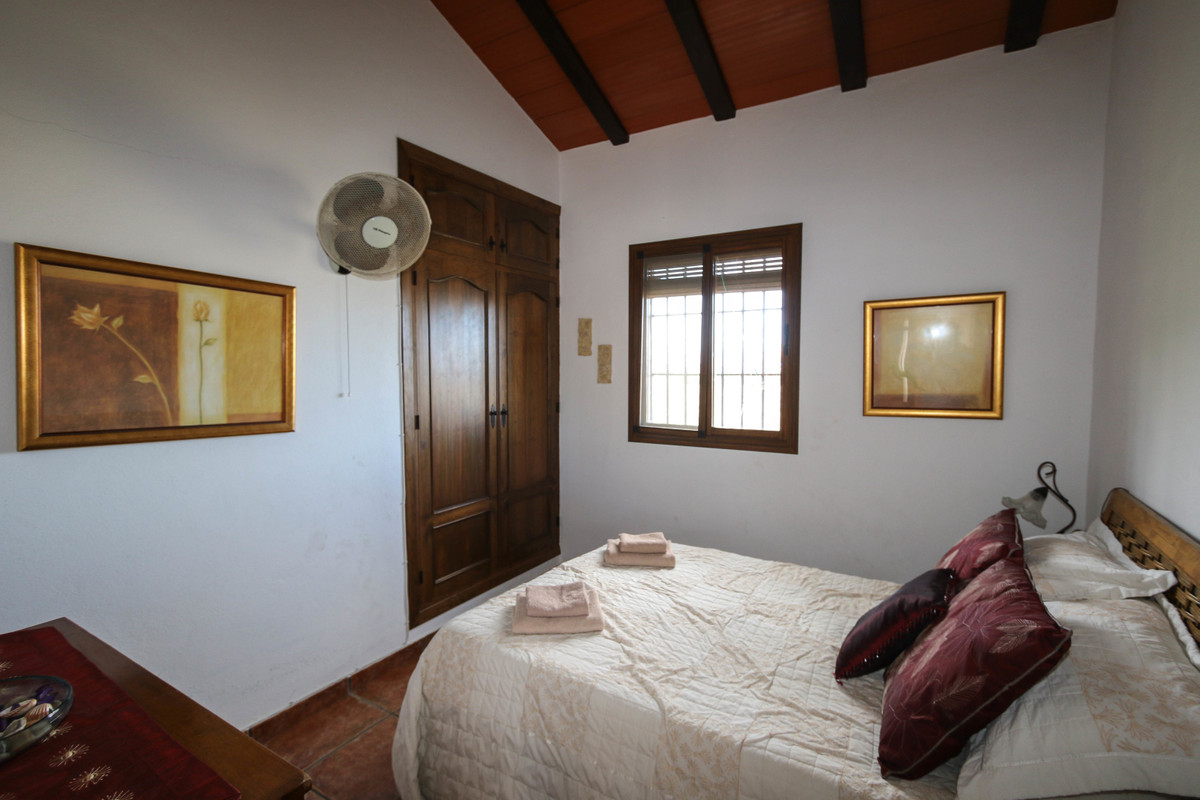 House in Alhaurín el Grande R3340915 23