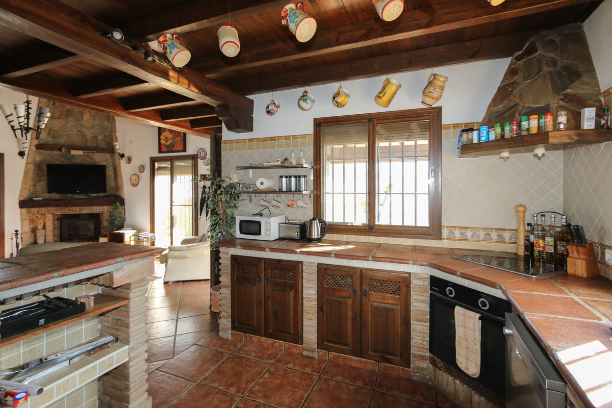 House in Alhaurín el Grande R3340915 9