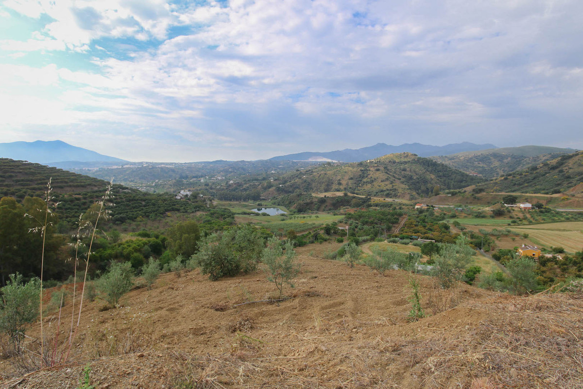 A rustic plot with spectacular panoramic views.   Over 12,000m2 of land along with a large water dep, Spain